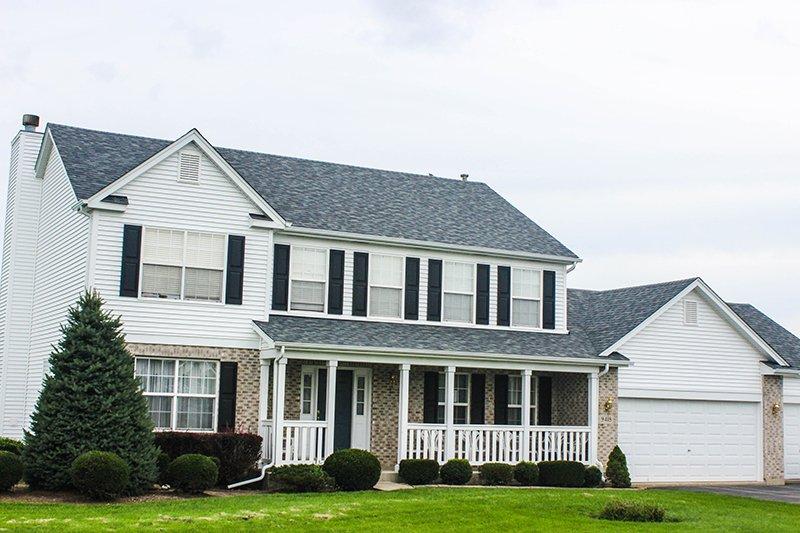 Nicholas Ln, Spring Grove, IL Owens Corning Duration TruDefinition Siding Estate Gray