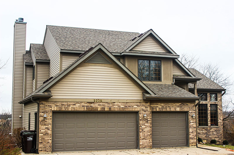 Eagles Roost - Richmond, IL - Owens Corning Duration architectural shingles, LP Smartside Siding